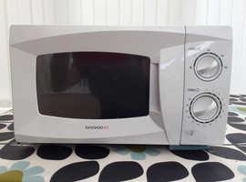 Free Daewoo microwave to a good home