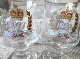 PAIR OF 1977 THE QUEENS SILVER JUBILEE GLASS GOBLETS
