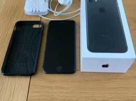 Apple iPhone 7 - 32gb black UNLOCKED