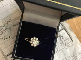Beautiful diamond cluster ring.