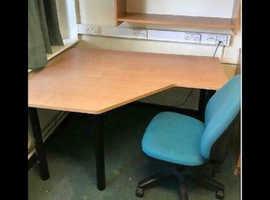 1400mm Budget Waved Beech Desk