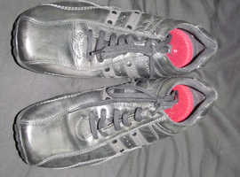 pair leather trainers/shoes