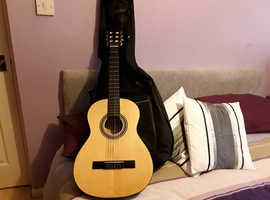 Guitar acoustic 3/4 by crafter      ashland