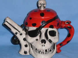 Nauticalia 'Skull & Pistol' Teapot (unboxed)