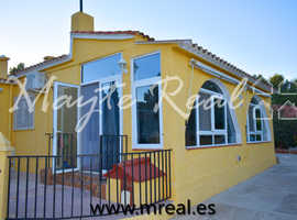 REF: H0005-IMMACULATE VILLA WITH WELL MAINTAINED GARDENS