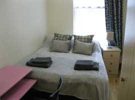 2 bedroom flat in Chiswick