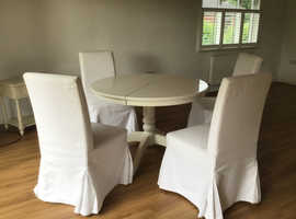 Extendable dining table & 4 chairs - Available again due to previous buyer not collecting!