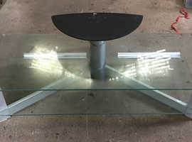 Glass TV table in good condition Glass
