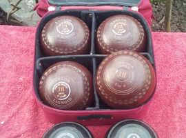 Henselite bag with Thomas Taylor bowling balls