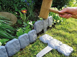Cobbled Stone Effect Lawn Edging