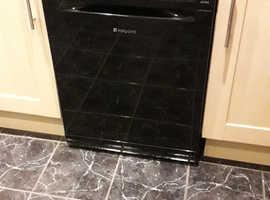 Mint condition black Hotpoint dishwasher