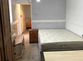 1 Bedroom Studio Flats with En-suite available in Sandwell