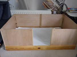 Large dog whelping box