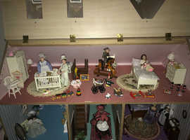 Victorian themed Dolls House Emporium fully furnished house with figurines etc