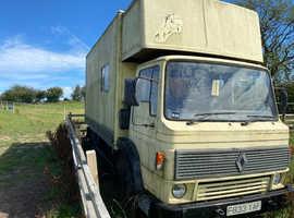 Renault dodge 100 commando horse box off grid project