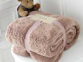 Luxurious teddy throws