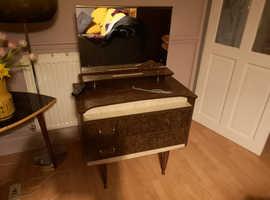 Retro 3 piece Bedroom Set