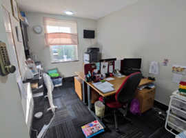 Cheap rental space (office/ beauty/ storage) in Romsey high street