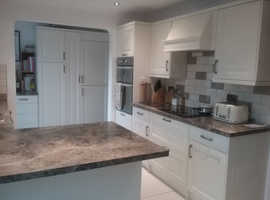 18 cream Magnet doors, integrated appliances + their cupboards, panels etc