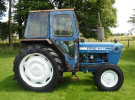 FORD 4100 ROAD REG TRACTOR CHEAP WORKHORSE RUNABOUT WILL DO A JOB