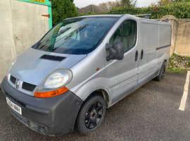 04 Renault traffic LWB. Cheap van