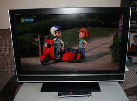 Sony 32 inch LCD TV with Freeview