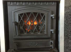 Broseley York Midi electric stove with realistic flame effect.