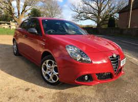Alfa Romeo Giulietta, 1.4 TB Sprint 2015 (65) Red Hatchback, Manual Petrol, 28,400 miles