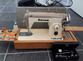 Vintage Novum Deluxe Sewing Machine in Carry Case with Singer Buttonholer