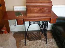 Antique singer sewing machine 1908