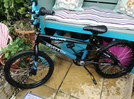 Unisex Bike for sale £30, 2 x stunt scooters, 1 x all terrain mountain board with new kite from £10