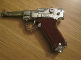 OLD VINTAGE TOY GUNS