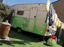 Free!! Caravan