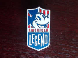 NEW MICKEY MOUSE AMERICAN LEGEND PIN BADGE 1.5 INCHES (4CMS) HIGH NEW CONDITION