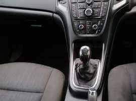 Vauxhall Astra, 2012 (62) White Estate, Manual Diesel, 136,000 miles