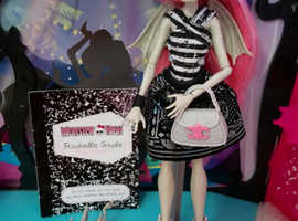 Monster High Doll Rochelle Goyle Complete