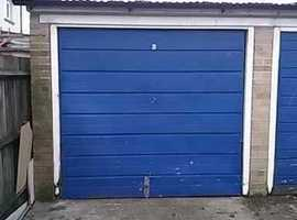 Garage to rent SE25 - available immediately