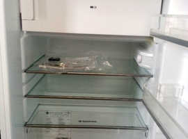 Refrigerator - Hoover HFOE54W Under Counter Fridge In White Excellent + Condition, For Sale.