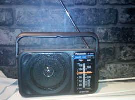 battery or ac power am fm radio