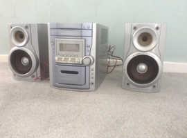 PANASONIC SA-PM11 CD CASS RADIO MUSIC CENTRE & SPEAKERS.