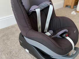 Maxi-Cosi Family Fix Base + Maxi-Cosi Pearl Car Seat