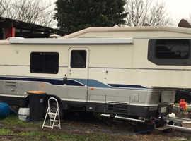 Avion Fleetwood 5th wheel trailer home