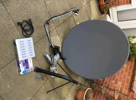 Technomate Motorised Satellite Dish and Receiver