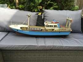 Polar E650 model fibreglass boat TR17