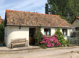 Wheelchair friendly Rose Cottage 1hr from Calais