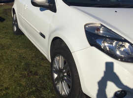 Renault Clio, 2012 (62) White Hatchback, Manual Petrol, 77000 miles