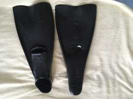 Pair of Diving Fins (Flippers)