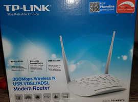 TP-Link 300 Mbps Wireless N VDSL/ADSL Modem Router Model TD-W9970