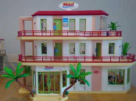 Playmobil Summer Fun Hotel, Luxury Hotel Suite & disco/club