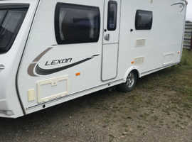 Lunar Lexon 560 Caravan - Fixed transverse bed 4 Berth